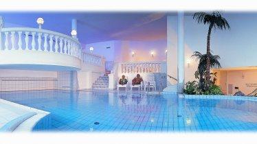 Alpina-Hallenbad, © Hallenbad mit Massagedüsen und Jet-Stream, 42 m2