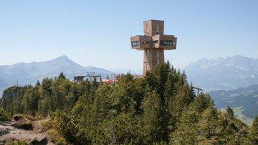 The huge cross atop the Buchensteinwand mountain, © Tirol Werbung/Jens Schwarz