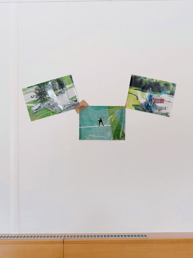 """The pictures in the clubhouse prove it: you can jump in summer too with the """"Flughunde"""" (Flying Foxes)."""