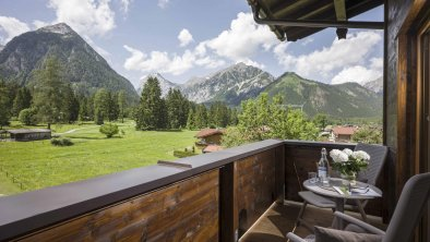 Hotel_Karlwirt_Pertisau_05_2018_Suite_317_Balkon_A, © Hotel Karlwirt