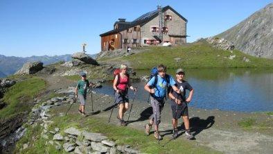 https://images.seekda.net/AT_UAB7-07-18-01/Wandern_im_Nationalpark-800x600_jpg.jpg