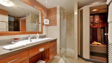"Badezimmer in der Panoramasuite ""St. Pankraz"""