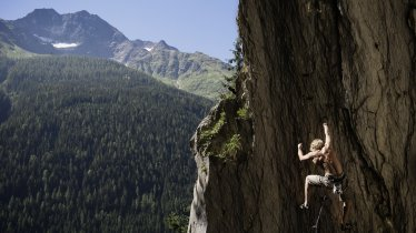 Rock climbing in St. Anton am Arlberg, © TVB St. Anton am Arlberg/Tobias Schmitt