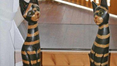 Deko im Haus - Holzkatzen