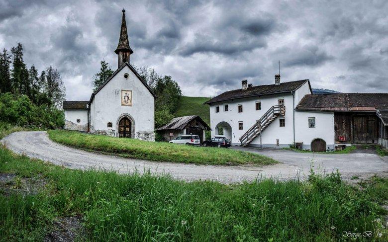 The listed Romedihof. (c) Serge Bystro