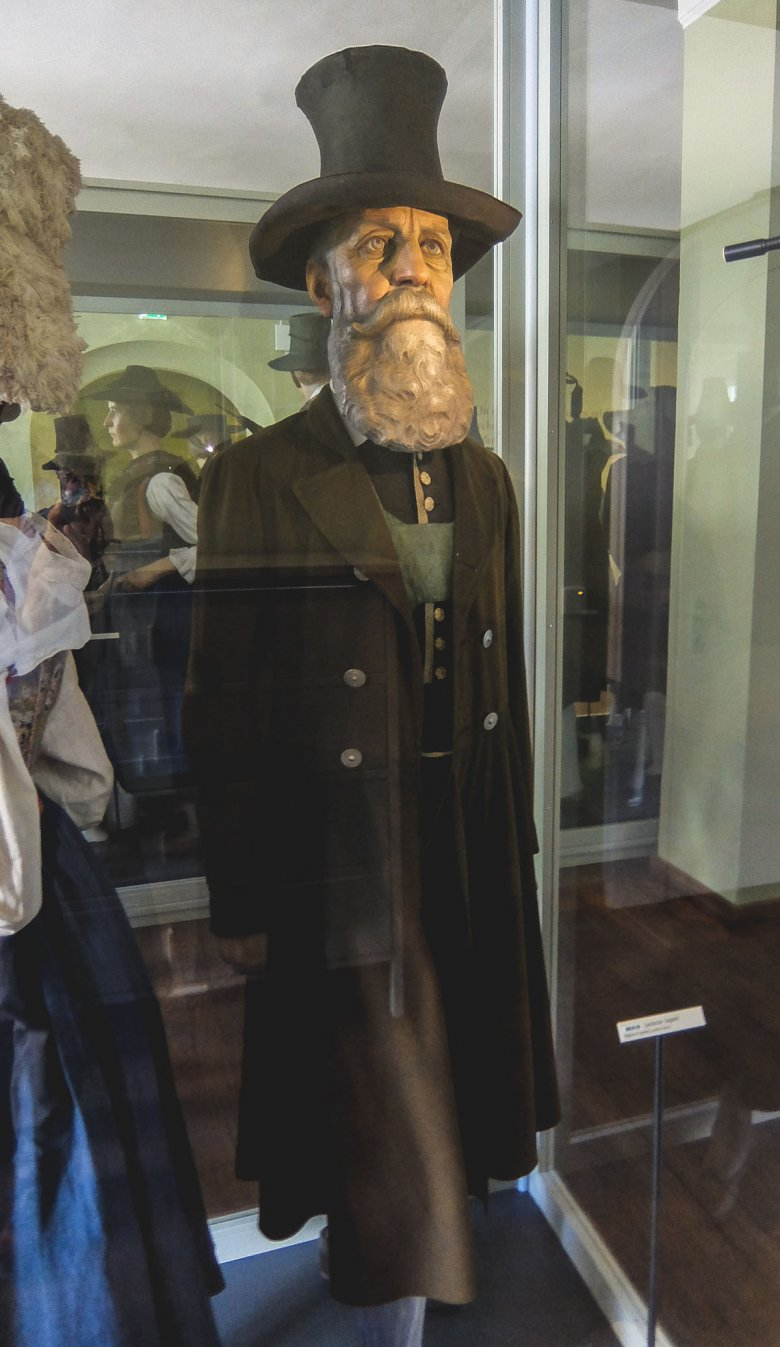 Men wore frock coats – like this example, which was the Tracht of Zams near Landeck.