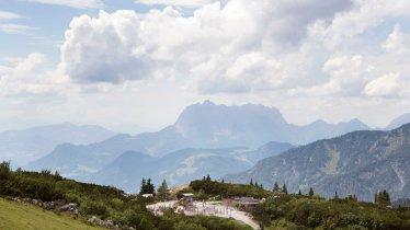 The Triassic Park overlooking the Wilder Kaiser Mountains, © Tirol Werbung/Frank Bauer