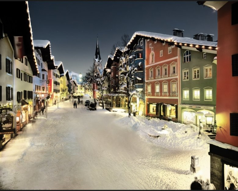 The Old Town of Kitzbühel with buildings dating back to the 15th and 16th century.