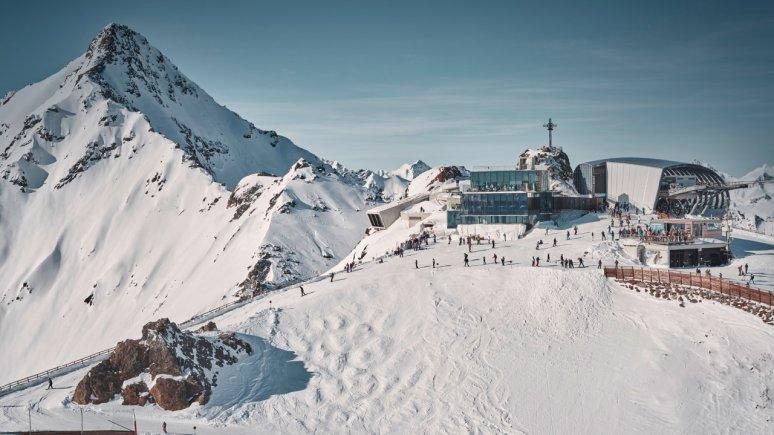 Gaislachkogel Gondola and Ice Q Restaurant at the Sölden Glacier Ski Resort, © Ötztal Tourismus