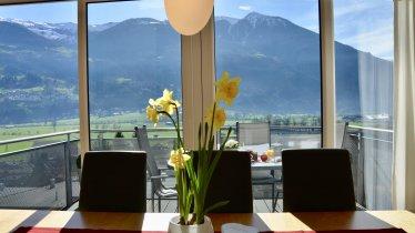Traumhafter Ausblick vom Esstisch, © Panorama Lounge