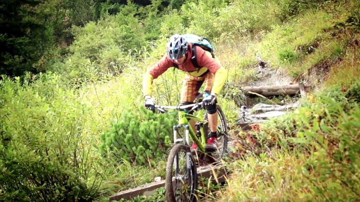 MTB Techniques (7): Mountainbike Downhill Steep Steps