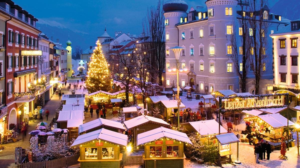 The Advent Market at the Main Square of Lienz, © Profer&Partner