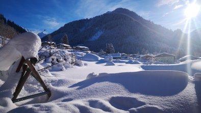 Schwimmbad mit Schnee bedeckt, © Aschauerhof