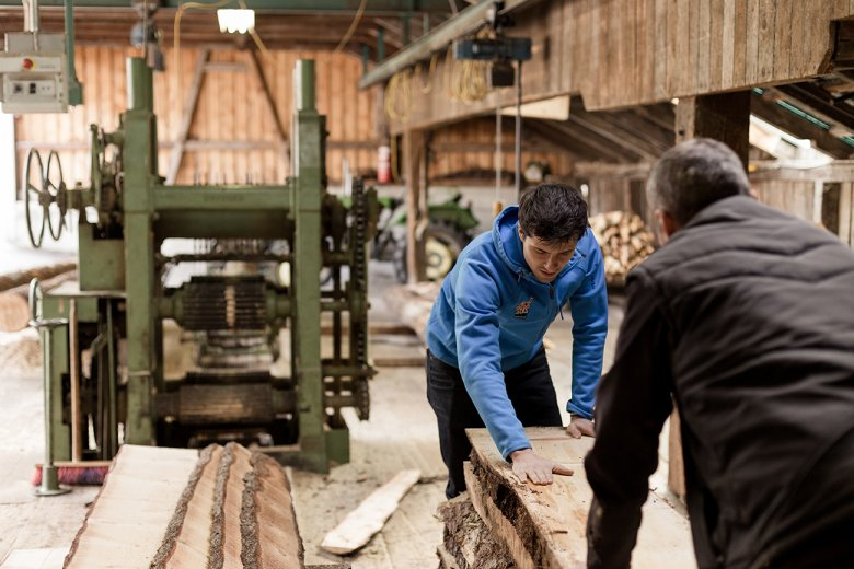 Only the best is good enough: Benedikt at the Sawmill in Rinn. ©zirb/Jenny Haimerl
