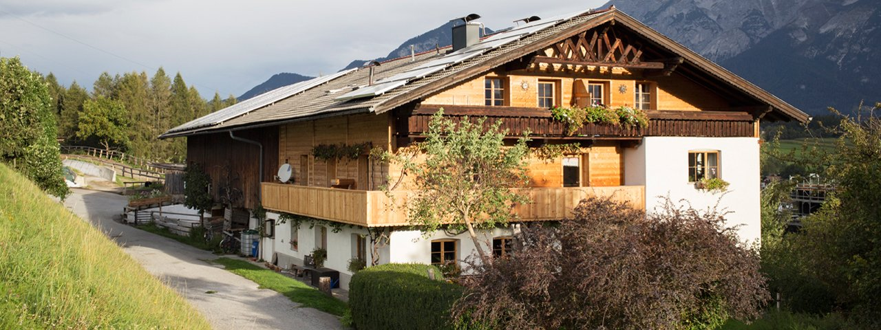 The Pechhof in Mutters enjoys a great location on a high plateau near Innsbruck., © Tirol Werbung/Lisa Hörterer