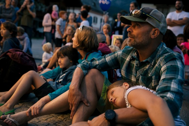 Tired but happy faces at the concert by local band Bluatschink.
