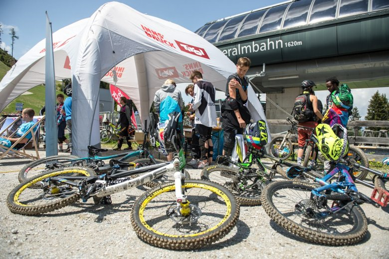 Authentic, small-scale events bring together the local MTB community.Photo Credit: MTB Downhill & Freeride Verein Innsbruck / Andreas Vigl