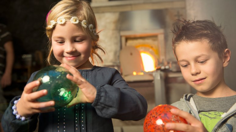 Glassblowing at the Advent Market in Rattenberg, © Alpbachtal Tourismus