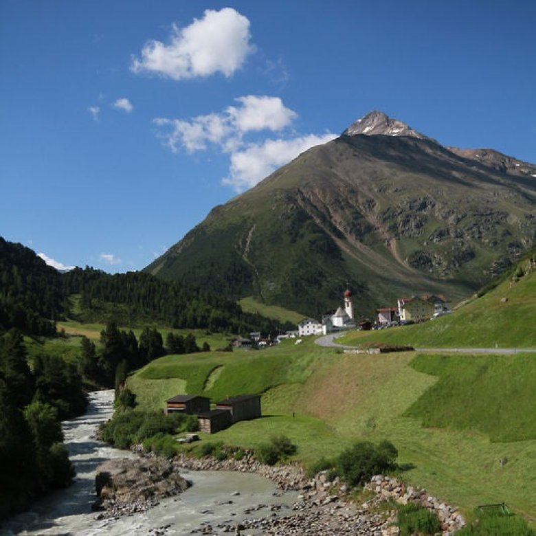 """Vent is one of only twenty """"Mountaineering Villages"""" in all of Austria. This recognition is bestowed on mountain villages that have adopted actions for sustainable Alpine tourism and mountain agriculture and live in tune with nature. (Photo: Tirol Tourist Board, Bernhard Aichner)"""