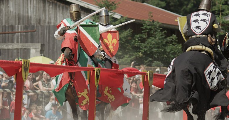The medieval festival at Ehrenberg Castle is an action-packed spectacle. Photo: Robert Eder