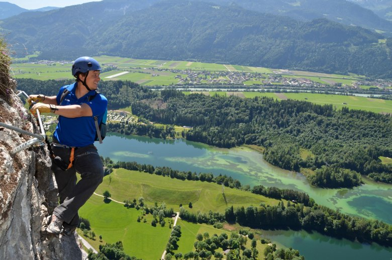 High above the Reintaler See lake. Photo: Alpbachtal Tourismus / Gabriele Grießenböck