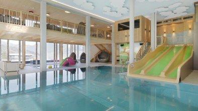 woodys-activity-pool