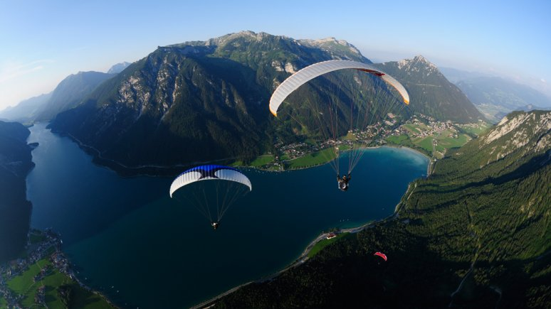 Soaring above Achensee Lake, © Fly Achensee