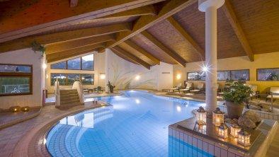 Schwimmbad Innenansicht, © Hotel Karlwirt