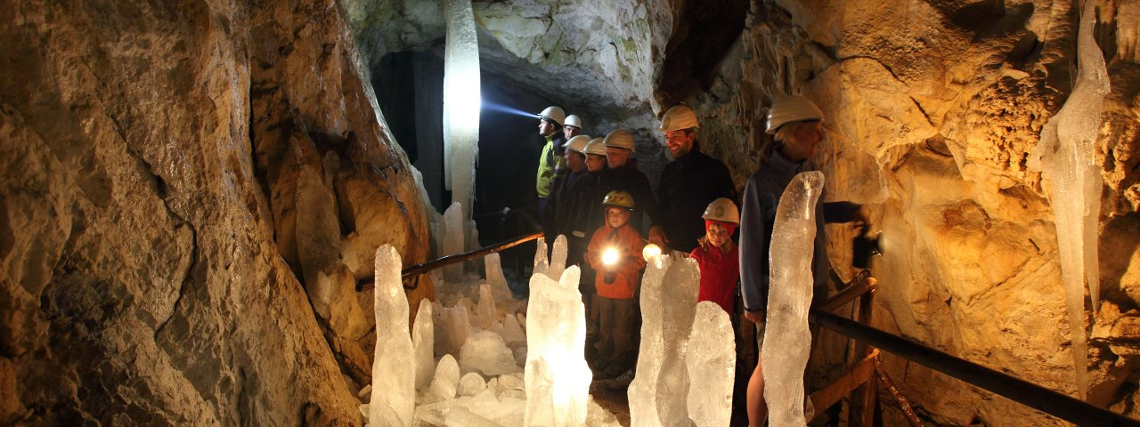 Hundalm ice and stalactite cave, © TVB Hohe Salve