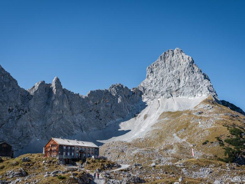 Towered by soaring Lamsenspitze Peak: Lamsenjoch Hut at Karwendel Mountain Range (c) Silberregion Karwendel , © Silberregion Karwendel