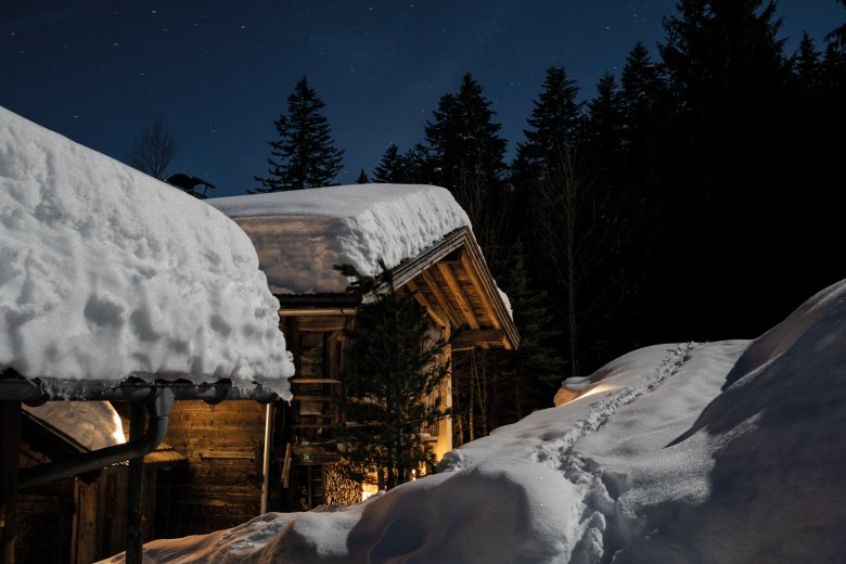 This long and snowy winter has left Gfällhütte snowbound.