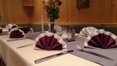 Tischdekoration zum Geburtstag, © AschauerHof
