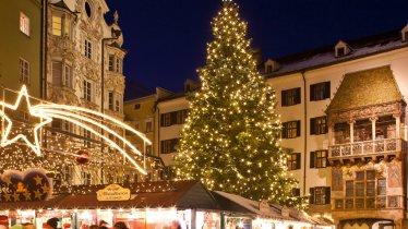 Christmas Market in the Medieval Old Town of Innsbruck, © Innsbruck Tourismus/Christoph Lackner