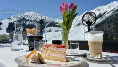 Hotel Almhof**** Hochfügen - Terrasse im Winter