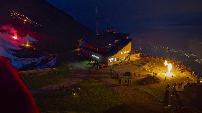 Summer solstice fires at Seegrube high above Innsbruck, © Andreas Amplatz / Nordkettenbahnen