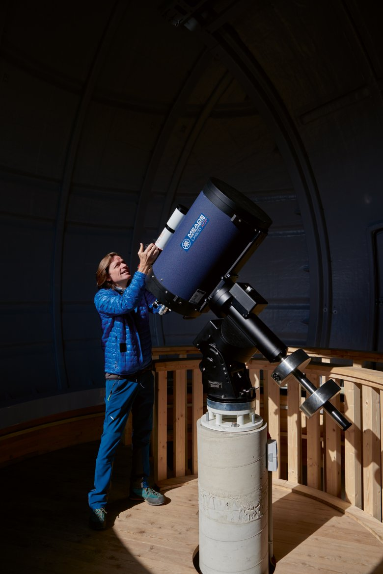 Dr Norbert Span, geophysicist and meteorologist, offers trainings for future star gazing guides.