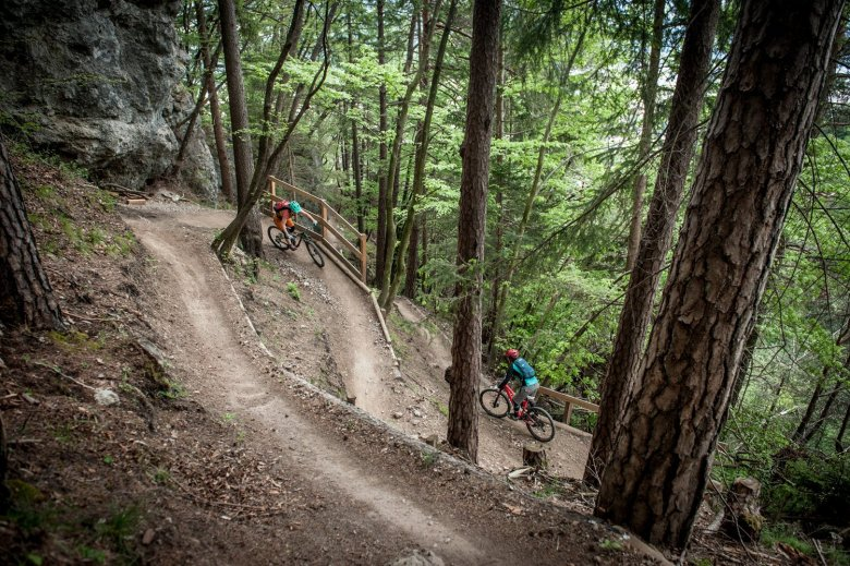 The Arzler Alm Trail heads into fairytale woods. Photo Credits: Rene Sendlhofer-Schag/www.bikefex.at