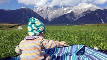 Taking a break on the Mieming Plateau, © Tirol Werbung
