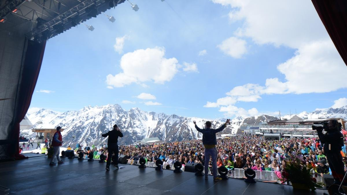 Every year Ischgl celebrates the opening and closing of the ski season in the Silvretta Arena with concerts given by international music stars., © Paznaun-Ischgl