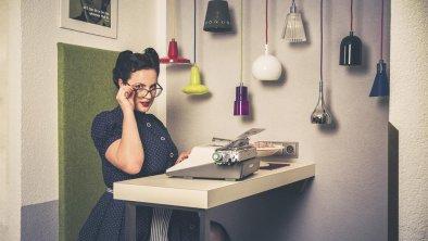 secretary-pin-up, © Fabian Falch