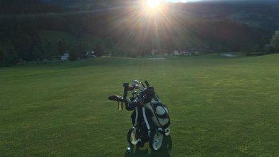 Sonnenuntergang auf dem Golfplatz