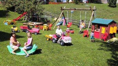 Kinderspielplatz Apart Carina