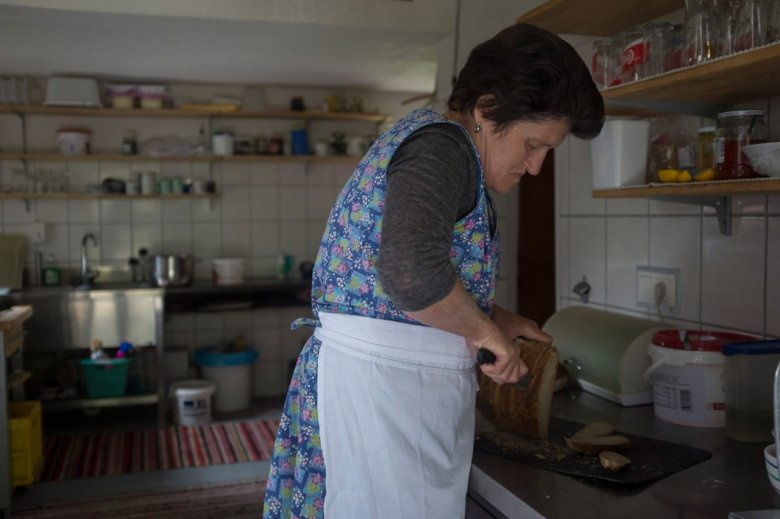 Maridl Schmid has taken over Falbesoner Ochsenalm from her mother. She is the soul of the Alpine Pasture Hut.