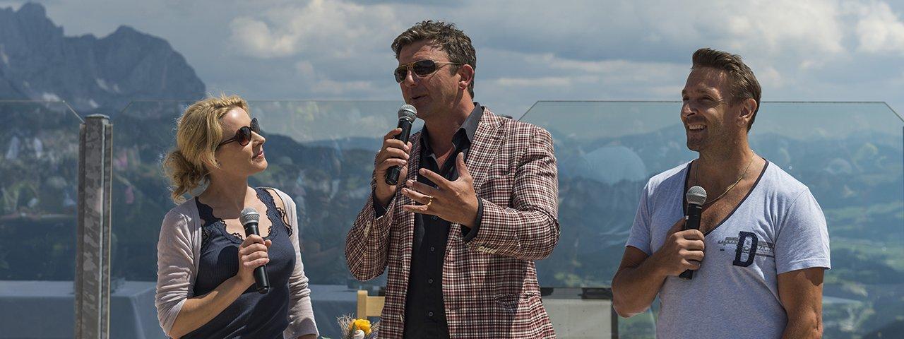 Dr. Martin Gruber, the Mountain Doctor (starring Hans Sigl) with fellow actor Mark Keller at the Mountain Doctor Week meet and greet event, © Daniel Reiter / Peter von Felbert