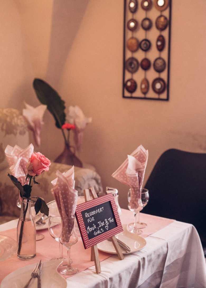 Pink is the predominant colour in Lizette's Café.