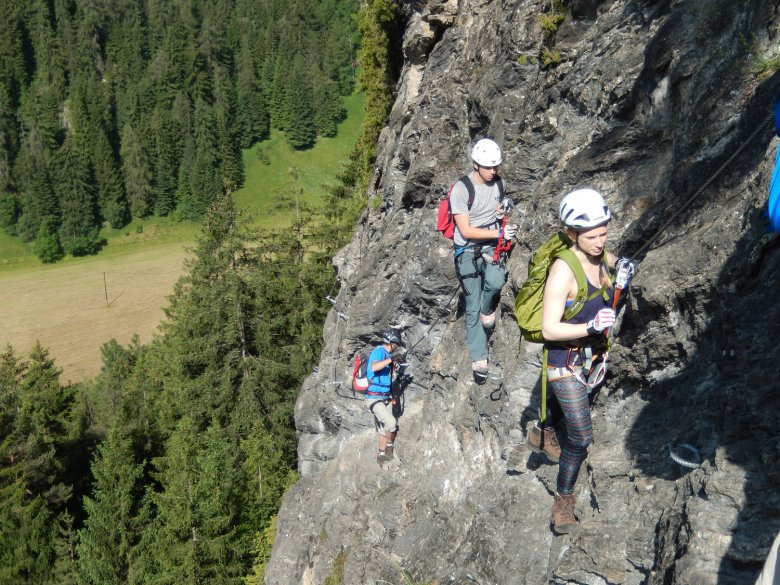 The via ferrata at the Stafflacher Wand provides a real challenge for advanced climbers. Photo: TVB Wipptal