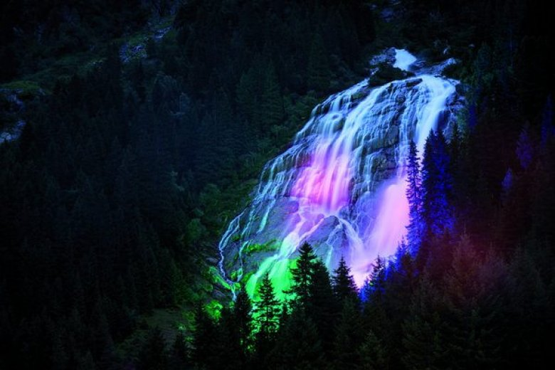 Grawa Waterfall during the Night Event | © TVB Stubai Tirol/Andre Schönherr