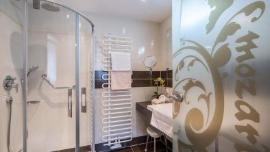 Badezimmer-Dusche