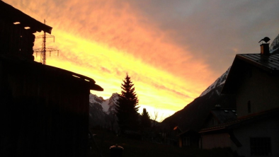 Sonnenaufgang_HausRiefli-Monique
