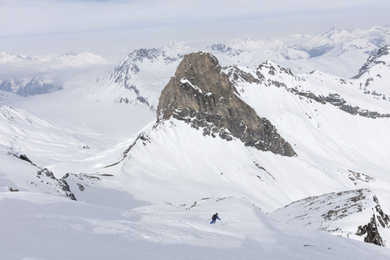 Descents on the Vallugaspitze mountain are only allowed with a qualified guide.